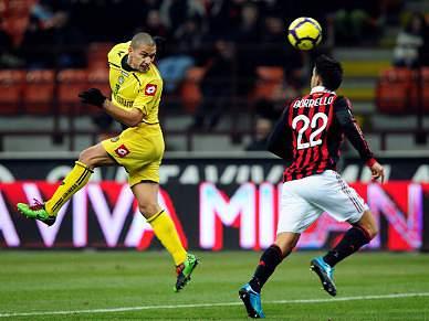 Udinese afasta AC Milan