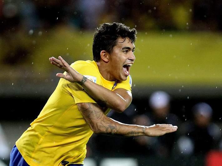 Brasil bate Espanha e alcança meias-finais