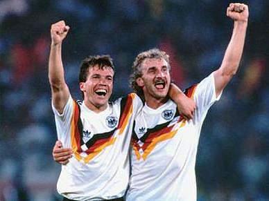Jogo entre campeões do Mundo de 1990 e ex-internacionais da RDA assinala reunificação