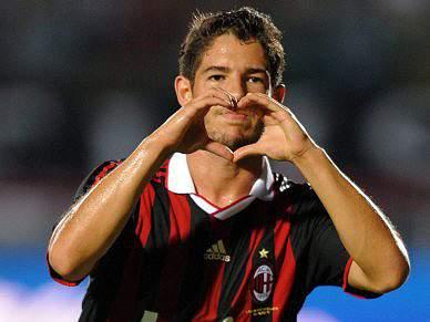 Chelsea poderá resgatar Pato e Thiago Silva por 80 milhões