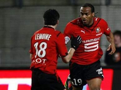 Rennes alcança liderança provisória