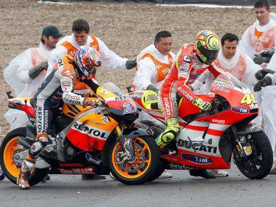 FIM vai analisar acidente de Rossi e Stoner
