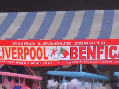 Adeptos do Everton do lado do Benfica