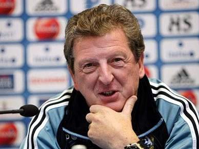 Roy Hodgson prolonga contrato com o Fulham por um ano
