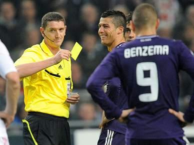 UEFA vai analisar as expulsões de Xabi Alonso e Sérgio Ramos
