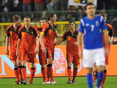 Bélgica bate Azerbeijão e Alemanha escorrega em particular