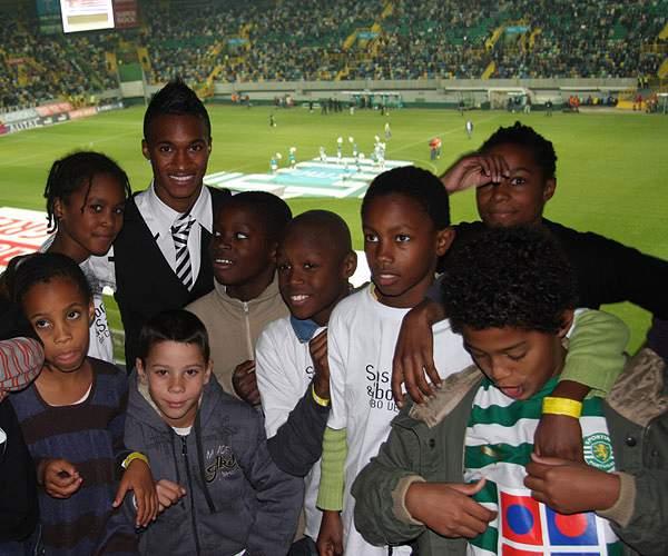 Fundação PT e Sporting oferecem dia inesquecível a crianças em risco