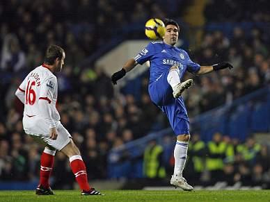 Chelsea de volta à liderança