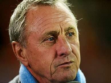 Cruyff considera um absurdo comparar Messi a Maradona