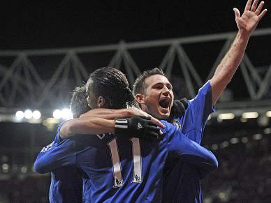 Chelsea afunda Portsmouth e sobe ao 2º lugar