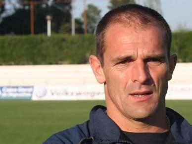Tomaz Morais chama 22 jogadores