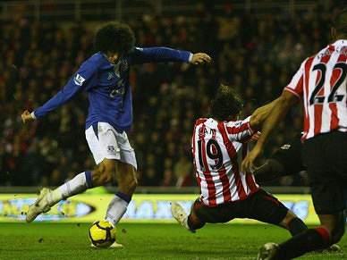 Everton mantém