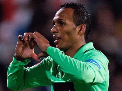 Liedson pode sair para o Corinthians