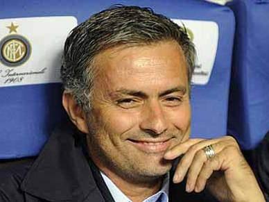 Inter pretende renovar com Mourinho