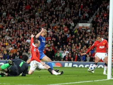 Chelsea e Manchester discutem título