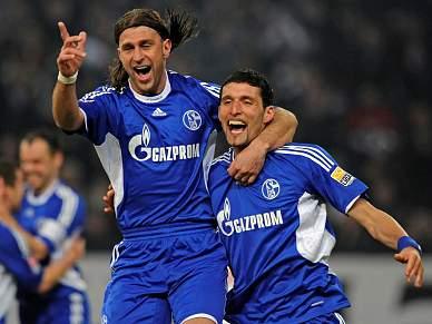 Schalke 04 vence e deixa zona de despromoção