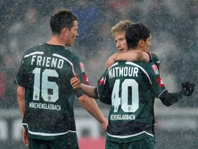 Borussia Moenchengladbach vence Nuremberga por 2-1