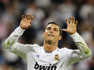 E vão mais três para Ronaldo
