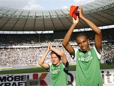 Werder Bremen ganha em Estugarda por 2-0