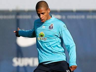 Fernando corre para o clássico com o Sporting