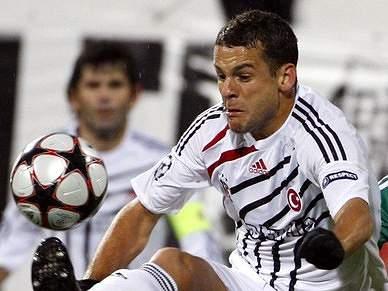 Bobô quer 1,2 milhões de euros anuais