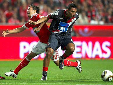 Benfica tenta evitar caminho do Sporting