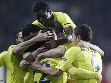 Villarreal repete vitória sobre Twente e defronta FC Porto nas