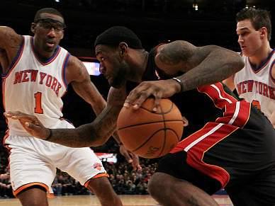 Heat vencem no Garden com LeBron a