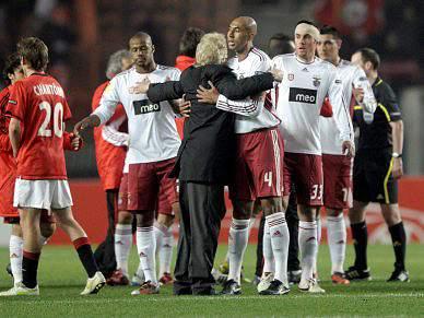 PSG agenda particular com Benfica