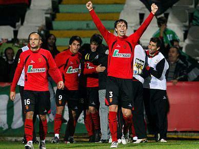 Penafiel vence em Vila das Aves e sobe ao terceiro lugar