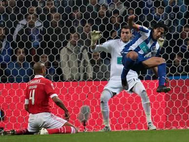 FC Porto e Benfica marcam mais golos com o pé esquerdo do que com o direito