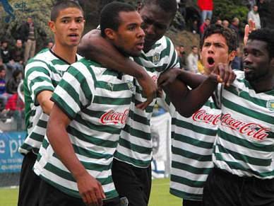 Sporting goleia Oeiras por 5-0