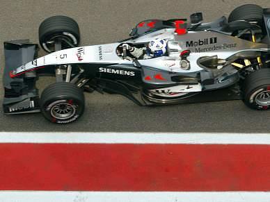 Petronas patrocina Mercedes