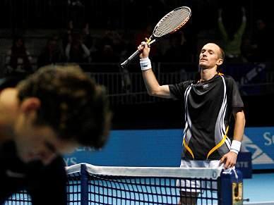 Davydenko na final após bater Federer