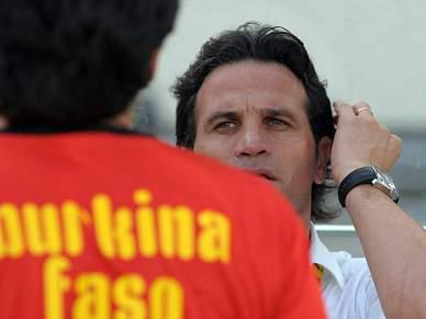 Paulo Duarte renova por dois anos
