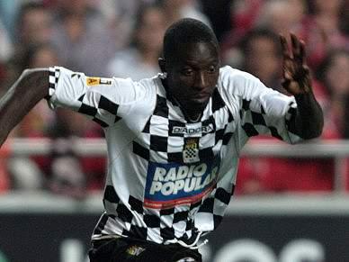 Fary reforça Boavista aos 36 anos