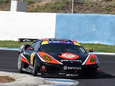 Pilotos portugueses defendem liderança na última prova