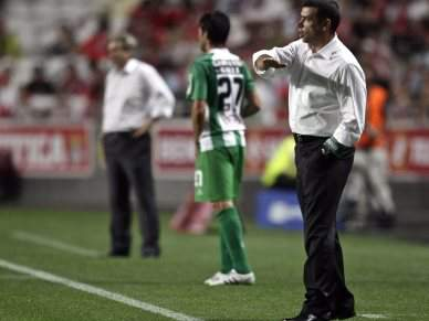 Carlos Azenha promete trabalho e profissionalismo