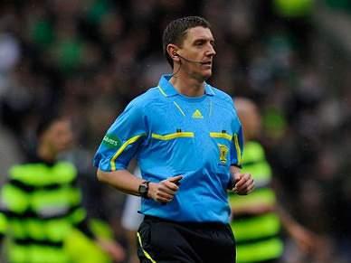 Craig Thomson, um árbitro que atrai a polémica