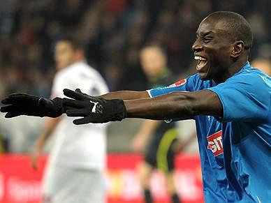 Demba Ba emprestado ao West Ham