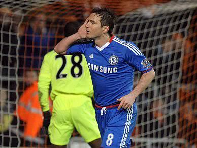 Chelsea vence Blackpool 3-1