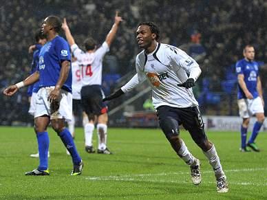 Bolton vence Everton e aproxima-se da Europa