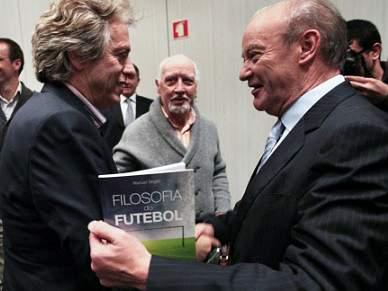 Professor de Mourinho junta Pinto da Costa e Jorge Jesus