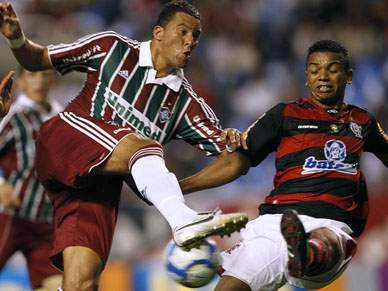 Fluminense empata e perde a liderança