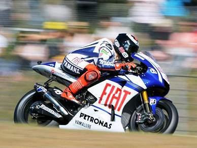 Kawasaki vence corrida, Suzuki revalida título mundial