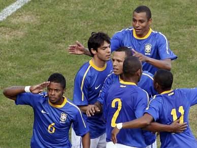 Brasil vence mas não convence