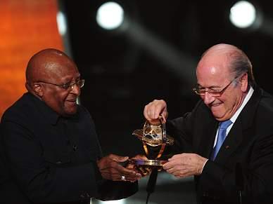 Desmond Tutu vence Prémio Presidencial