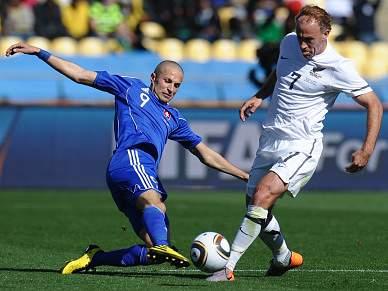 Eslováquia e Paraguai inauguram segunda ronda do