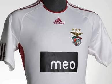 Benfica assegura direito de preferência sobre o plantel