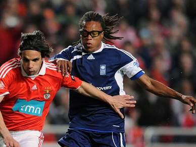 Davids rescinde com Crystal Palace